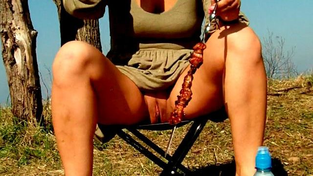 Engaging Dark-haired Unexperienced Wifey Dasha Flashing Pink Quim Upskirt And Ingesting Beer At A Picnic