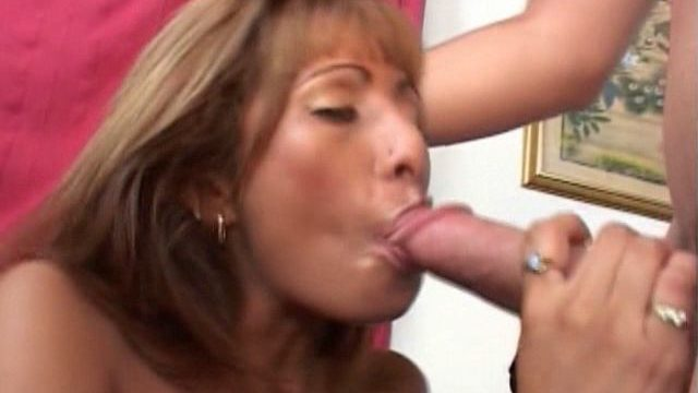 Erotic Blonde Cougar Estrella Spangled Sucking An Enormous Manstick Head With Passion